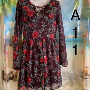 🤪3/$12🤪 Xhileration 0/2 Xs Lined Floral Dress